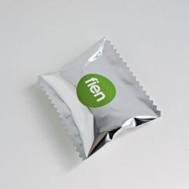klein zilveren zakje + label